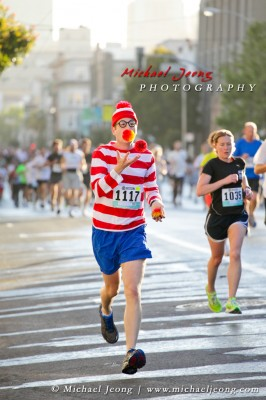 Where's Waldo? Here he is juggling while jogging