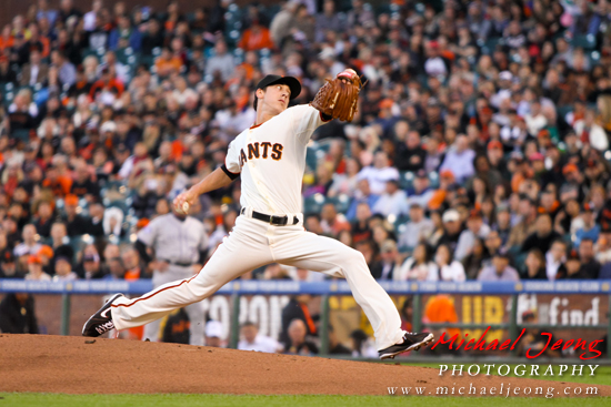Tim Lincecum on the mound allows for 4 hits and 6 runs. Lincecum strikes out 7 for the night.