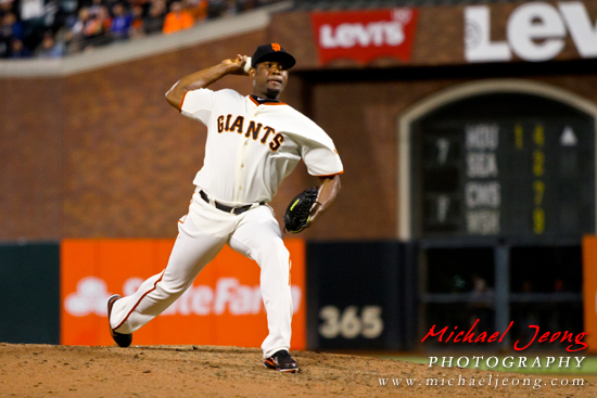 Santiago Casilla picks up his 1st win of the season.